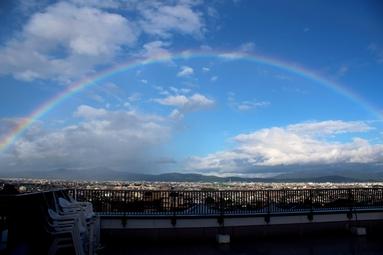 京都ほせんのバルコニーから見えた虹